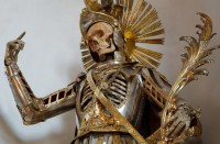 19 Bejeweled Skeletons That'll Blow Your Mind
