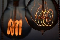 Lâmpadas de hoje, como antigamente - CASA VOGUE | Design