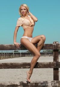 Cele mai frumoase fotografii cu Claudia Alexandra - Playboy.ro