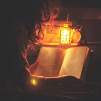 reading by candleight | Romantic winter