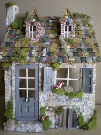 "alt=""custom dollhouse"" 