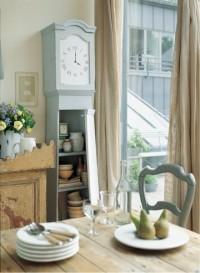 Une ancienne comtoise transformée en meuble de rangement - Marie Claire Idées
