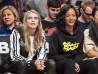 Rihanna i Cara Delevingne razem na meczu! - PudelekX