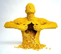 Yellow — Nathan Sawaya — The Art of the Brick
