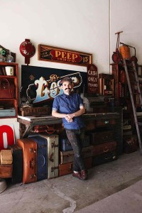 Inside the Studio of a Traditional Sign Painter | Abduzeedo Design Inspiration