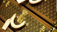 $30B luggage fortune: Bernard Arnault explains success of Louis Vuitton - CNN.com