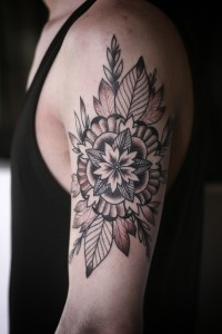 geometric flower/mandala thing by alice carrier. at anatomy tattoo, in portland oregon. | Inspiration DE