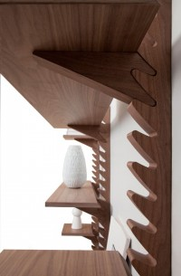 'Totem' shelving unit by Broberg & Ridderstråle of Klong | Inspiration DE