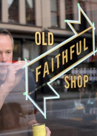 Old Faithful Shop – Hand Lettered Signage | Inspiration DE