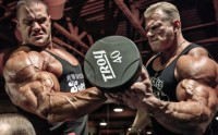 Bodybuilders Evan Centopani and Dennis Wolf Working Out | Inspiration DE