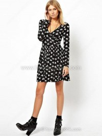 Black V-neck Long Sleeve An Arrow Through A Heart Print Dress - HandpickLook.com