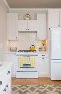 Swampscott Residence -- Neutral Kitchen - transitional - kitchen - boston - by Diana Kennedy Interiors