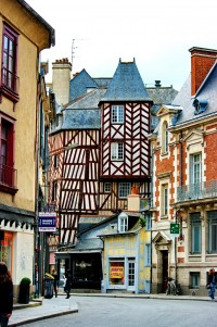 Timbered buildings in Rennes, France | Inspiration DE