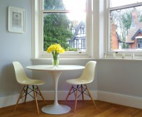 Google Image Result for http://decoratorsnotebook.files.wordpress.com/2012/01/daffodils-tulip-table.jpg