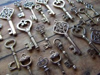 Skeleton Key Charm Assortment in SILVER by SisterNomadSupplies