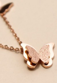 [gh10032]Gold Tone Butterfly Pendant Adjustable Chain Necklace / InvisiTree