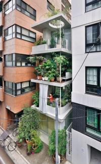 Ryue Nishizawa – Vertical garden house, Tokyo 2013. Via, photos Iwan Baan. | Inspiration DE