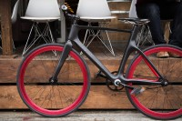 Vanhawks Valour Connected Bike | Uncrate