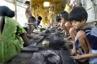 Kinderarbeid maakt elke minuut slachtoffer - Buitenland - Reformatorisch Dagblad