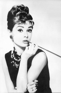 Google Image Result for http://www.palzoo.net/file/pic/user/AudreyHepburn.jpg