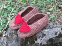 Child/Girls knit slippersHandmade Crochet by WomensScarvesTrend