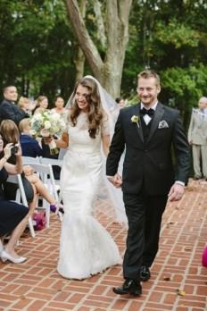 4806_romantic-backyard-wedding--brooke-court-81513e0f8605bd9a.jpg (390×585)