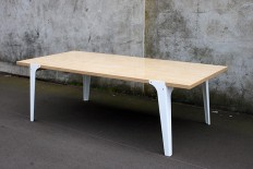 Rest Dining Table on