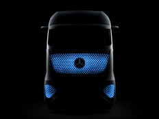 Mercedes-Benz-Future-Truck-2025-Concept-02.jpg (JPEG Image, 1600×1199 pixels) - Scaled (74%)