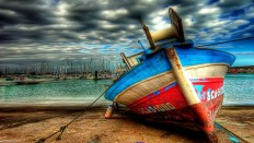 Boat on Sandbar - Photography Wallpapers