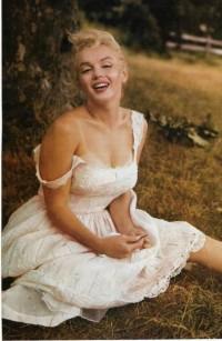 Curves / Marilyn