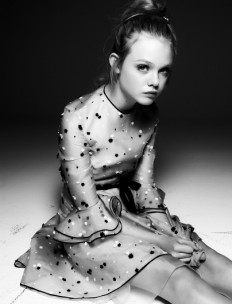 Black & White Photography / Elle Fanning - Page 3 - Interview Magazine