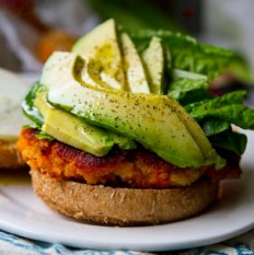Easy Sweet Potato Veggie Burgers! With Avocado. | I Wanna Nom