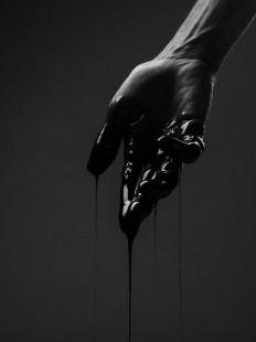 + #hand #black_color #photography | tattoo | Pinterest