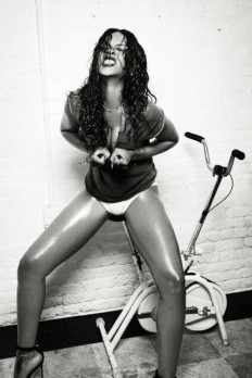 Rihanna by Ellen Von Unwerth | Esquire UK December 2014 - CzytajNiePytaj - Magazyn Online. Sztuka, Moda, Design, Kultura