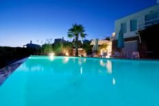 Location de vacance en Grèce - Mykonos Aleomandra - Villa de luxe, infinity pool, vue sur mer à louer à Mykonos de Vango-estates.com