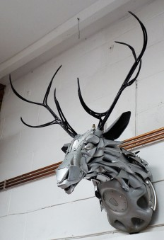 Wonderful Hubcaps Creatures by Ptolemy Elrington on Inspirationde