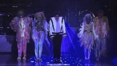 Michael Jackson - Thriller - Live Munich 1997 - Widescreen HD - YouTube