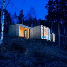 Contemporary Norwegian Cabin Designed for Warmth