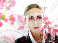 ????????? ?????? Google ??? http://www.dreamstime.com/japan-geisha-woman-with-creative-make-up-thumb18351119.jpg