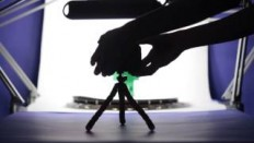 DIY turntable for 360 degree product phototography - YouTube