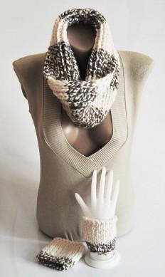 Chunky Hand Knit Infinity Scarf Cuffs bracelet by selenayy