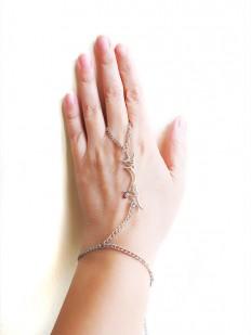 istanbul slave bracelet Silver chain slave bracelet by selenayy
