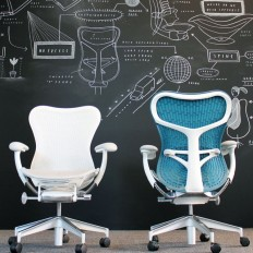 Mirra 2 Chair by Herman Miller on Inspirationde