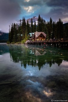 Emerald Lake, Yoho National Park, Canada. on Inspirationde
