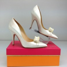 Kate Spade New York Lisa Ivory Satin Pump Heels 7 M Dress Shoe Bridal Bow | eBay