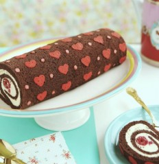 DIY Project: Heart-Patterned Cake Roll | Design*Sponge