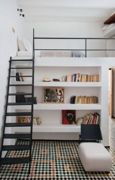 Loft with bookcase – modern boy's room on Inspirationde