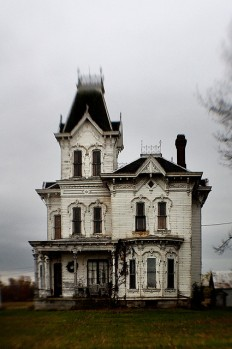 Old House by Mary Hockenbery on Inspirationde