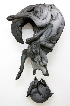 Wolf and rabbit sculpture (by Beth Cavener Stichter) on Inspirationde