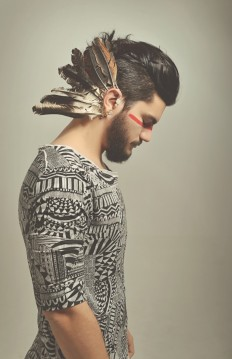 Caiomotta Indie Aztec feathers hipster Men's fashion on Inspirationde